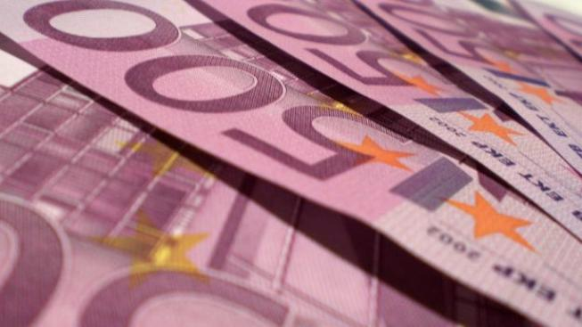 Švýcarské banky zaplatí německým úřadům předem jako garanci celkem asi 46 miliard Kč.