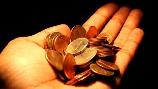Stát počítá s tím, že si dluhopisy koupí zhruba sto tisíc lidí, kteří během příštích čtyř let půjčí státu celkem čtyřicet miliard korun, Foto: SXC