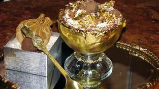 Zlatou příchuť si můžete vyzkoušet i doma v kuchyni, protože existuje řada receptů na zlaté lahůdky pro širokou veřejnost.