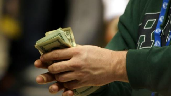 Platy náměstků, poradců a ředitelů odborů na ministerstvech jsou velmi závislé na tom, jak štědrá je ministrova ruka, Foto:SXC