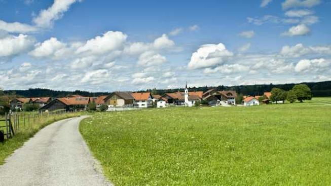 Ministerstvo zkoumalo rozpočty téměř všech 6245 obcí v Česku. Unikla jen Podkopná Lhota a Ostrata, Foto:SXC
