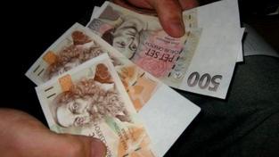 Podle první varianty měla být měsíční minimální mzda 8400 korun měsíčně a 50 korun na hodinu, Foto:SXC