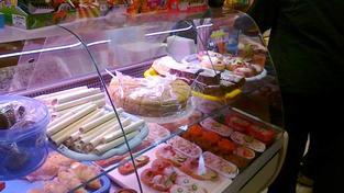 Obchodníci zvyšovali ceny například také hovězího masa, vepřové pečeně, eidamské cihly, bílých jogurtů, cukru, brambor, banánů či rajčat., Foto:NašePeníze.cz