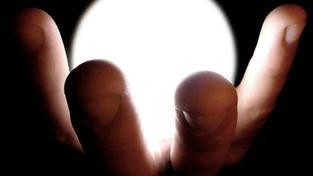 V lidech také vyvolává obavu to, že v úsporných a LED žárovkách je jedovatá rtuť, která může člověka při poškození žárovky otrávit, Foto:SXC