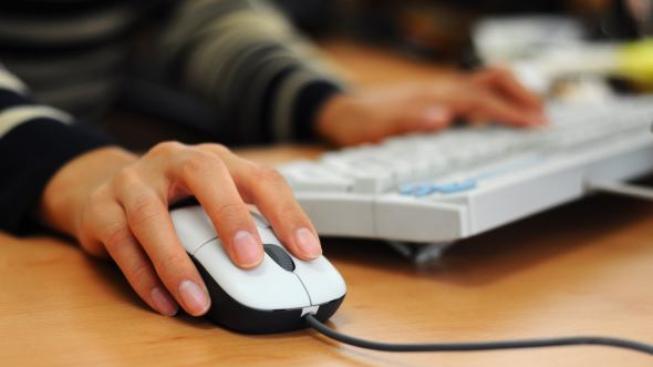 Chcete podat daňové přiznání online? Vše potřebné najdete zde.. Foto: SXC