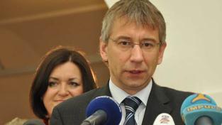Drábek: Nový systém vyplácení sociálních dávek funguje, kritika je mediální kampaní, Foto:TOP09