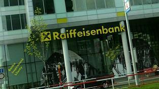 Raiffeisenbank ve svém portfoliu nedrží žádné dluhopisy jakékoli z rizikových zemí Evropy (Portugalsko, Itálie, Irsko, Řecko, Španělsko). Téměř 99 procent svých investic banka směřuje do státních dluhopisů České republiky. Foto: NašePeníze.cz