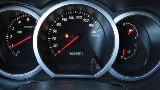 Negativní trend, kdy prodávající kvůli množství najetých kilometrů tachometry přetáčejí, chtějí autoři předlohy zvrátit., Foto:SXC