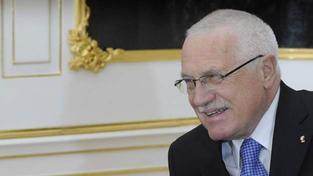 V reakci na hodnocení vlády prezident Václav Klaus uvedl, že je rád, že vláda funguje, Foto: Hrad