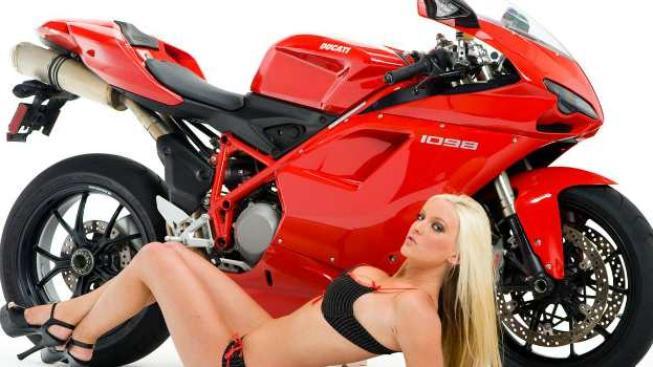 Předseda VW Ferdinand Piëch, který sám motocykly značky Ducati řídí, před několika lety přiznal, že lituje, že nezískali značku dříve, Foto: Ducati