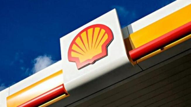 EU a USA vyhlásily embargo na íránskou ropu jako reakci na tamější program jaderného zbrojení. Írán na oplátku přestal akceptovat platby v amerických dolarech., Foto: Shell
