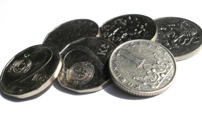 za jednu minutu Češi na bankovních poplatcích zaplatí 74 207 korun, za hodinu, 4 452 413 korun, za jeden den 106 857 924, Foto:SXC