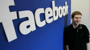Facebook oponuje tím, že předložený dokument je falešný a chce Cegliovu žalobu zamítnout., Foto:Facebook