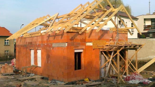 Počet vydaných stavebních povolení se v červnu 2012 meziročně snížil o 14,4 procenta, Foto:NašePeníze.cz