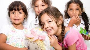 Polovině českých dětí rodiče podle průzkumu dovolí, aby si za kapesné koupily, co je libo. Na Slovensku a v Polsku je takto liberální jen třetina rodičů. Dvě třetiny pak dají potomkům peníze jen na konkrétní věci., Foto:SXC