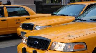 Z celkového počtu 920 kontrol se zjistilo v pěti případech předražení, v 16 případech nevydal taxikář zákazníkovi stvrzenku z tiskárny taxametru a ve 120 případech došlo k jinému porušení zákona v silniční přepravě. Foto: SXC