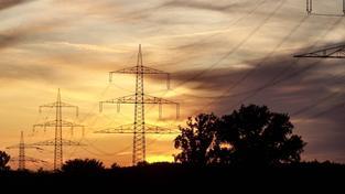 Cenu elektřiny utváří několik položek, které mohou být pro běžného uživatele těžko čitelné. Foto:SXC
