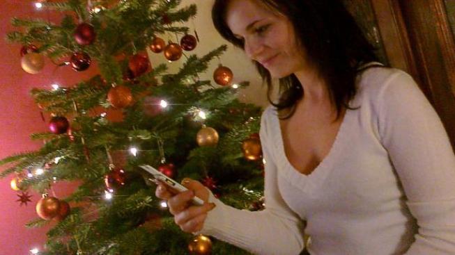 Většina Čechů chce za Vánoce utratit stejnou částku jako loni, ale to znamená, že některé věci budou muset oželet. Foto:SXC