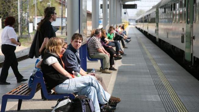 České dráhy totiž reagují na hrozbu konkurence v podobě společnosti LEO Express podnikatele Leoše Novotného a žlutých vlaku RegioJet dopravce Radima Jančury.  Foto:ČD