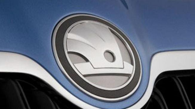 Nové logo značky je umístěno na několika místech na voze i v interiéru, Foto: Font.cz