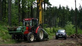 Lesy ČR již v prosinci 2012 vydaly policii na její žádost veškerou dokumentaci k veřejným zakázkám, na základě které byly podepsány smlouvy se společnostmi dynn a.s. a TIME IMPORT a.s. Foto: LESY ČR
