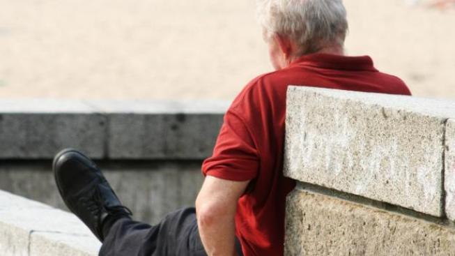 Starobní důchod je krácen, přičemž výše srážky je závislá na délce doby, která chybí do dosažení řádného důchodového věku. Foto:SXC