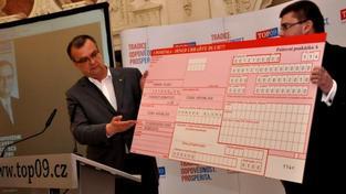 Pro letošní rok zákonodárci schválili státní rozpočet s 100miliardovým schodkem. Ministr financí chce do státní kasy získat 1,0807 bilionu korun. Výdaje by se měly pohybovat na úrovni 1,1807 bilionu korun. Foto:TOP09