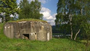 Armáda se zbavuje majetku! Kupte si bunkr za 19 tisíc, pozemek nebo parádní vilu, Foto, Text: MED