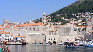 Pokud máte náhodou v Chorvatsku loď, dávejte dobrý pozor. Od 1. července musíte zaplatit DPH a clo, abyste se dostali do Chorvatských vod. Pokud zde už kotvíte, tyto formality musíte vyřešit do konce května. Foto:NašePeníze.cz