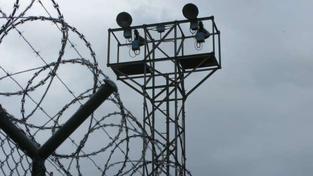 Pokud bychom se snažili spočítat náklady na doživotně odsouzeného, dostaneme se do závratných výšin. Foto:SXC