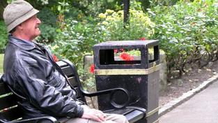 V Česku jsou v současné době téměř všechny důchody vypláceny čisté. To znamená, že penzisté ze svoji penze neodvádí sociální ani zdravotní pojištění ani daň z příjmu fyzických osob. Tato situace není přitom v členských zemích OECD běžná. Foto:SXC