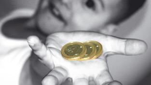 V Česku dávají dětem kapesné asi dvě třetiny rodičů (64 procent). S nástupem do první třídy ho dostane 24 procent dětí.  Většina si ale musí na své peníze ještě pár let počkat. Foto:SXC, Text:MED