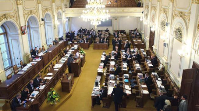 Poslední volby nás bez peněžních bonusů pro politické strany vyšly podle ministerstva financí na 463 milionů korun. Foto:Vlada.cz, Text:MED