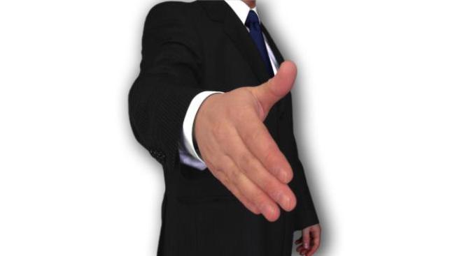 Obchodní zástupci neseriozních firem často obtěžují a nutí zejména sociálně slabší a důvěřivé seniory k podpisu nevýhodné smlouvy. Foto:SXC, Text:MED