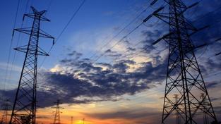 Velcí dodavatelé, jako jsou ČEZ, PRE a E.ON, již nakoupili elektřinu do zásoby. To je důvod, proč prozatím nebudou zvyšovat ceny a umělý zásah České národní banky nebude mít vliv na cenu elektřiny. Foto:SXC, Text:MED
