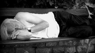 Pomoc v hmotné nouzi situaci lidí ještě zhorší. Časové omezení poskytování doplatku na bydlení na jiný než obytný prostor (typicky ubytovnu) na 6 měsíců. Foto:Nikol Kuncová