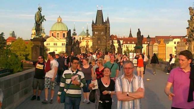 Do České republiky přijelo vloni 7,3 miliónů zahraničních turistů, což je zatím historický rekord v návštěvnosti. Příjmy z příjezdového cestovního ruchu dosáhly 137,9 miliard korun, což bylo o sto milionů více než vloni. Foto:SXC
