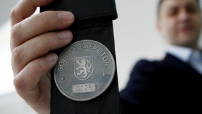 Pokud se objeví další poškození, nechť se se svou věcí obrátí na policii a informují Exekutorskou komoru ČR. Foto: Ceskydomov.cz