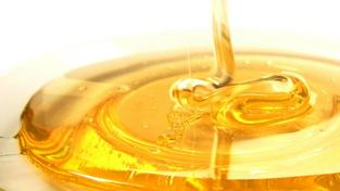 U všech nevyhovujících medů laboratorní analýza prokázala hodnoty, které jsou považovány za důkaz falšování nebo neodborného zacházení, které snižuje jakost potraviny. Foto:SXC, Text: SZPI