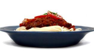 Nabídka špaget v českých obchodech je velmi široká. S ohledem na surovinové složení jsme nakoupili bezvaječné špagety semolinové (15 výrobků), které jsou z hrubě mleté krupice odrůd pšenice tvrdé, pak bezvaječné špagety z pšenice měkké, označované na obal