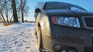 Test zimních pneumatik na sezónu 2014 a 2015. Podívejte se na výsledky testu časopisu dTest. Foto:SXC