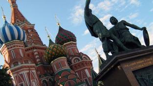 Stále více Rusů sice fyzicky žije ve vlastní zemi, svůj majetek ale posílá mimo dosah případného kolapsu. Což je asi stejné, jako volat hoří a přikládat do ohně. Foto:SXC