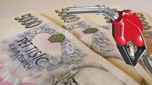 Pumpaři si opravdu přicházejí na své. Letošní říjen je z hlediska výše marží na naftě a benzinu rekordní. Foto:SXC, Text.MED