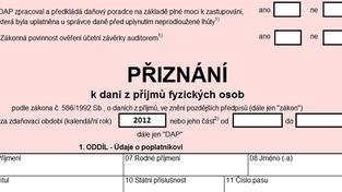 Daňový kalendář Ministerstva financí České republiky je neúprosný. Pro letošní rok stanovuje termín pro podání daňového přiznání k dani z příjmů na 1. dubna. Kdo dnes ale podání přiznání nestihne, nemusí se obávat sankcí. Foto:SXC