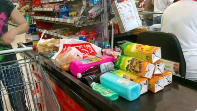 Výrobci se přiznali k tomu, že šidí potraviny. Proč? Protože se musí podřídit diktátu obchodních řetězců. Foto:SXC