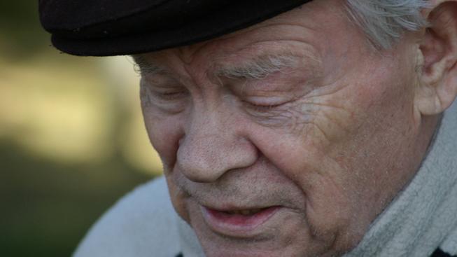 Důchodce trápí exekuce, díky nim bojují s chudobou