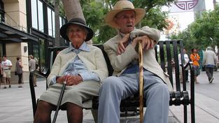 Kdy a kolik začít spořit na penzi. Aneb o koho už se stát nepostará?