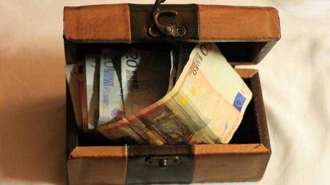 Evropané mají přes 200 miliard EUR ve stavebním spoření, EU to chce změnit