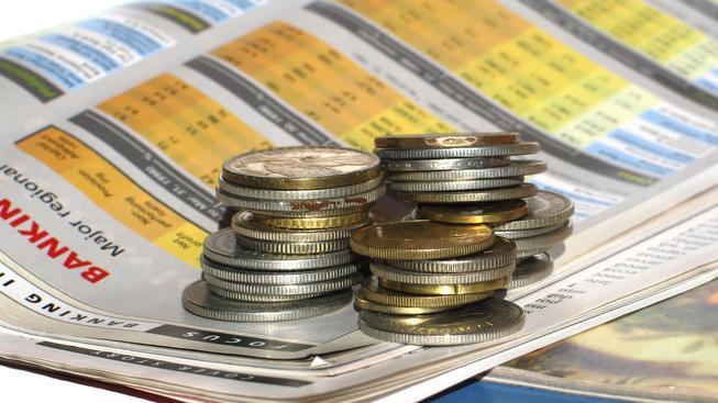 Češi stále více investují. Opouštějí neefektivní odkládání peněz