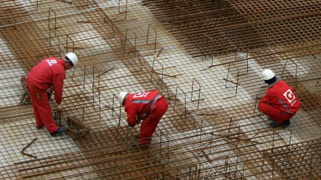Mzdy rostou, meziročně téměř o tísícikorunu
